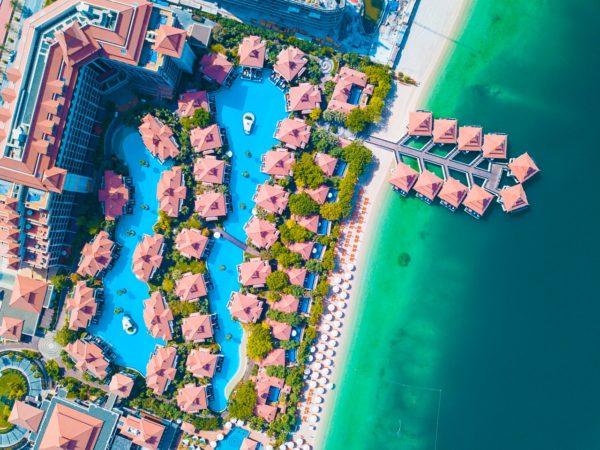 aerial-shot-architecture-beach-1488515